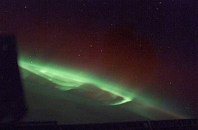 宇宙から見たとても美しいオーロラ