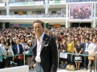 """22年ぶりのライブに1万人""""熱中"""""""