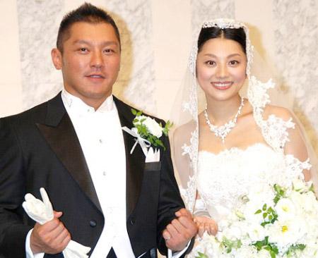 小池栄子と坂田亘が挙式