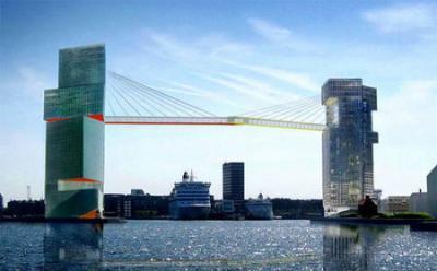海上65mのビル連絡通路