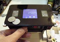 インベーダーゲームが1/6サイズ貯金箱で帰ってきた